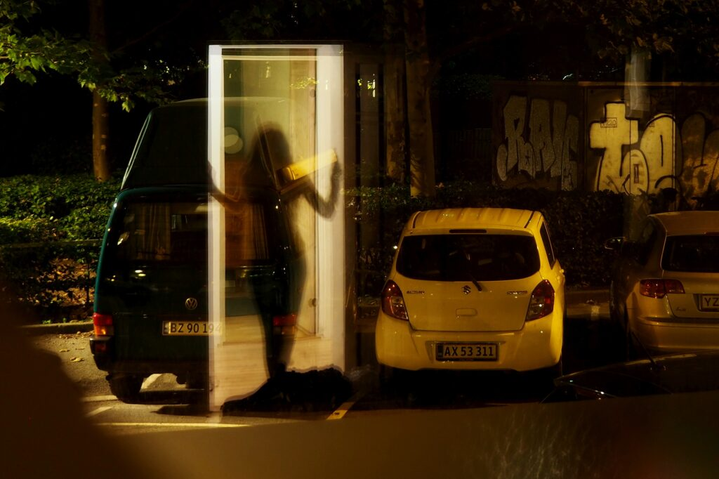 Стрит-селфи Даши Орлянской. Отражение.