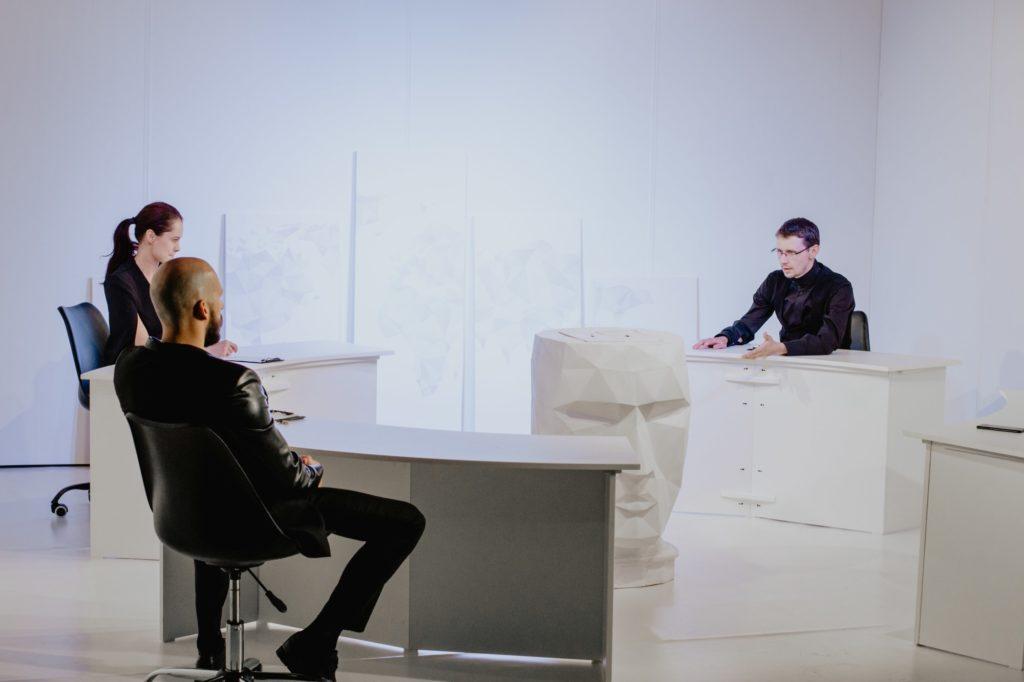 """Театральний сезон 2019: чорно-біла прем'єра у """"Віримо"""" - 5 зображення"""