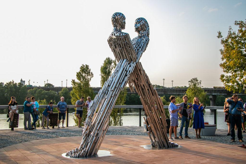 Скульптор із Дніпра вперше представив Україну на культовій виставці в Австралії - 2 зображення