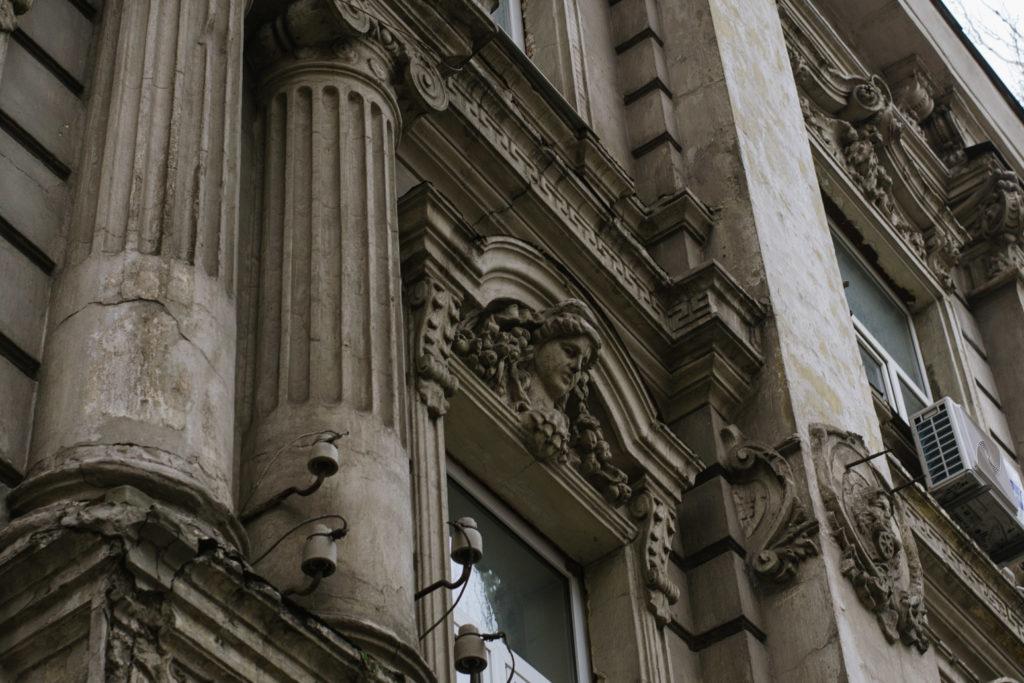 Будинки-тягарі - 9 зображення