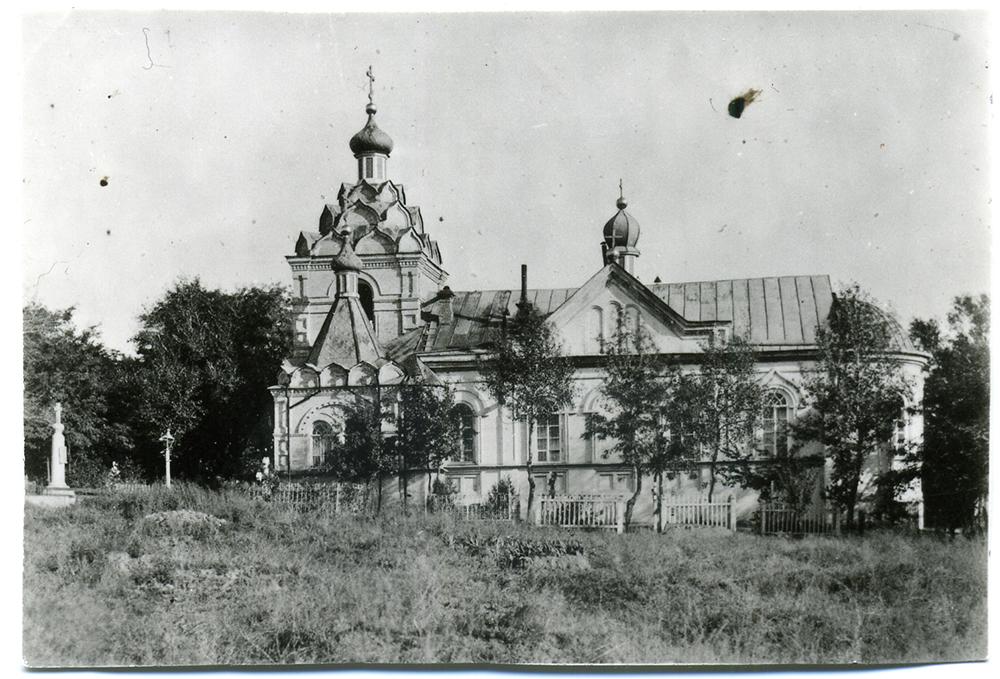 Старое фото, на котором Лазаревская церковь ещё целая
