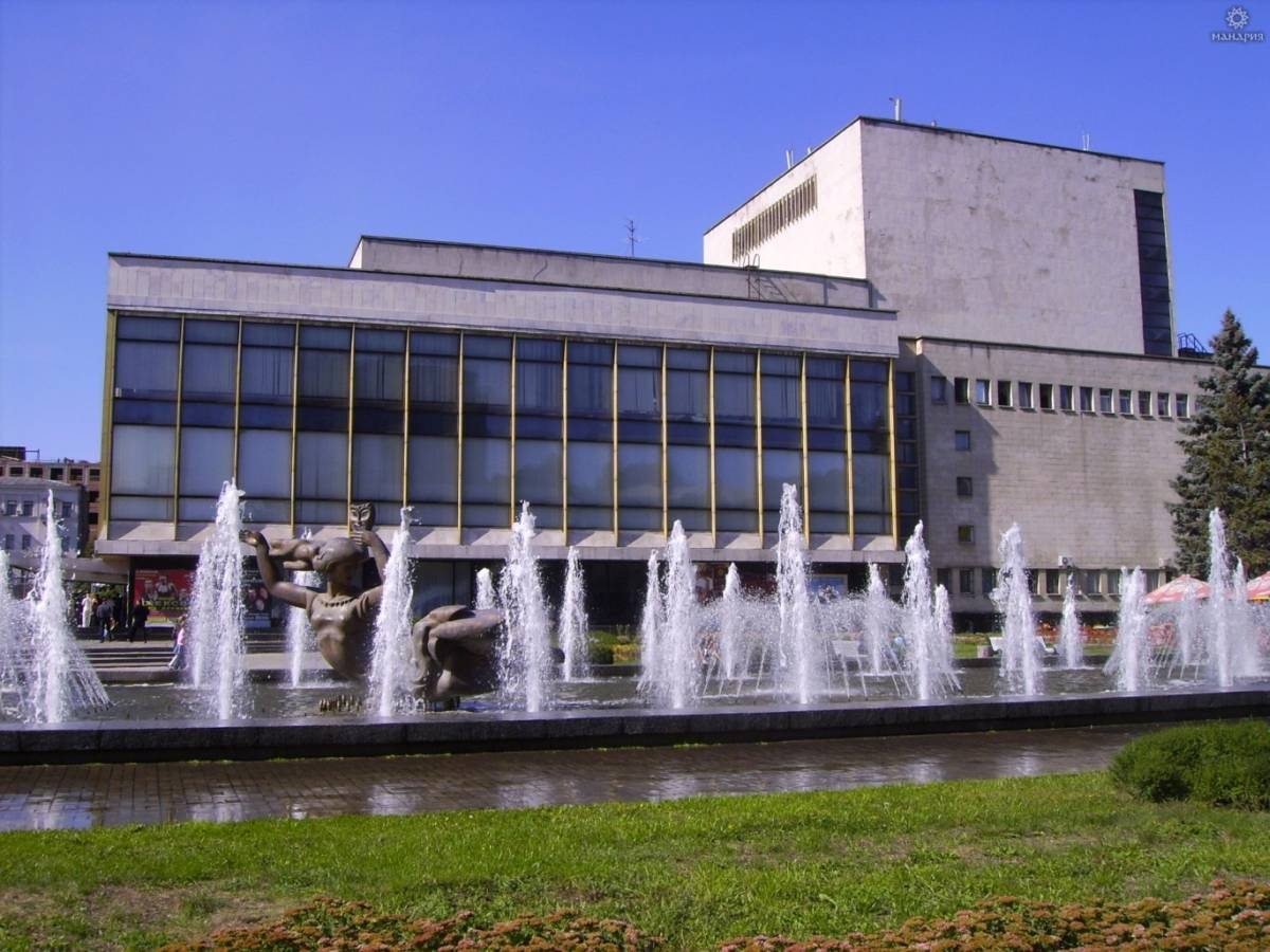 Театр опери та балету закрили на карантин через випадки COVID-19