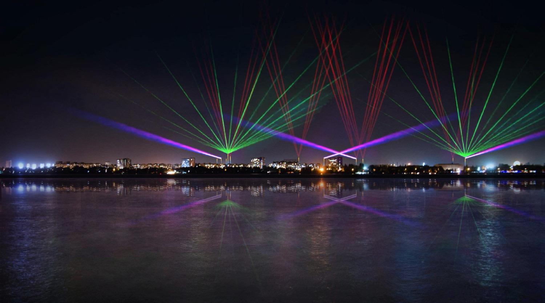 У Дніпрі з'явиться лазерно-світлова інсталяція із заводських труб