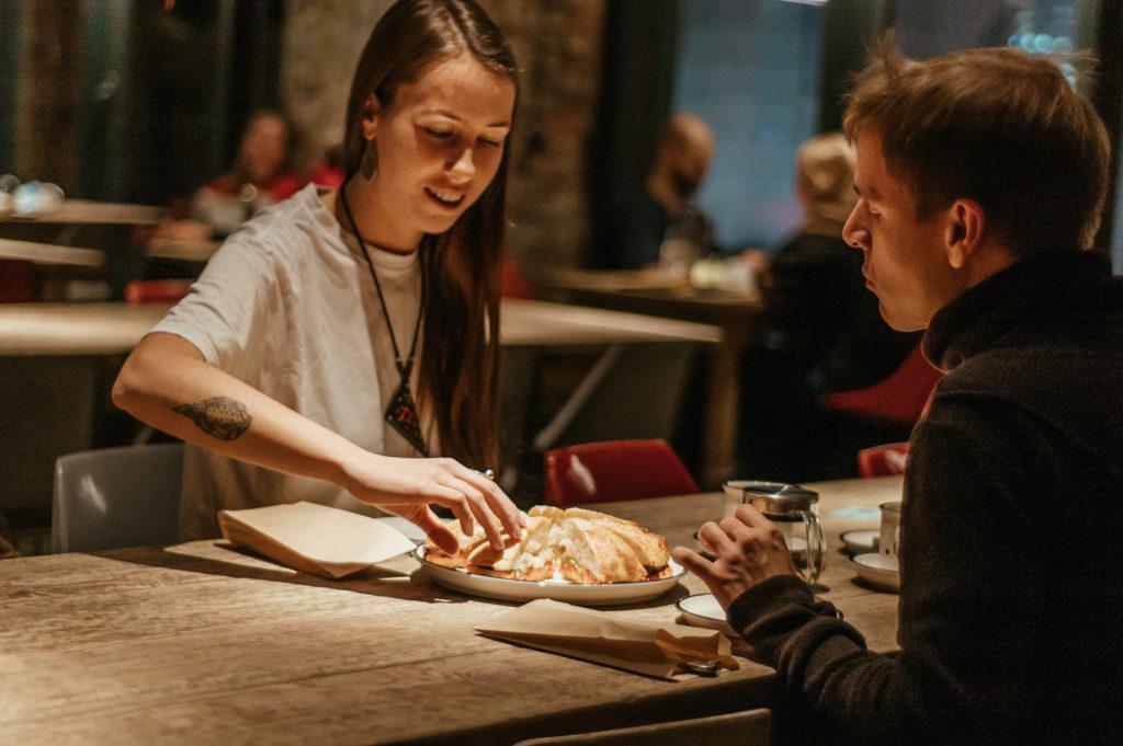 """Як Moderna Pizza у Дніпрі залучила римського шефа і стала піцерією рівня """"Мишей"""" - 2 зображення"""