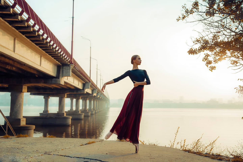 Балерина під мостом: фотограф з Дніпра переміг у міжнародному конкурсі