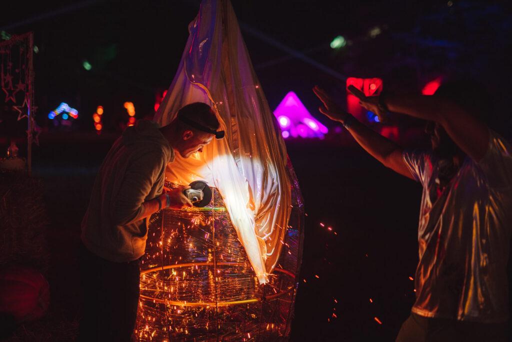 Днепрянин организовует украинскую версию Burning Man под Львовом - 7 зображення