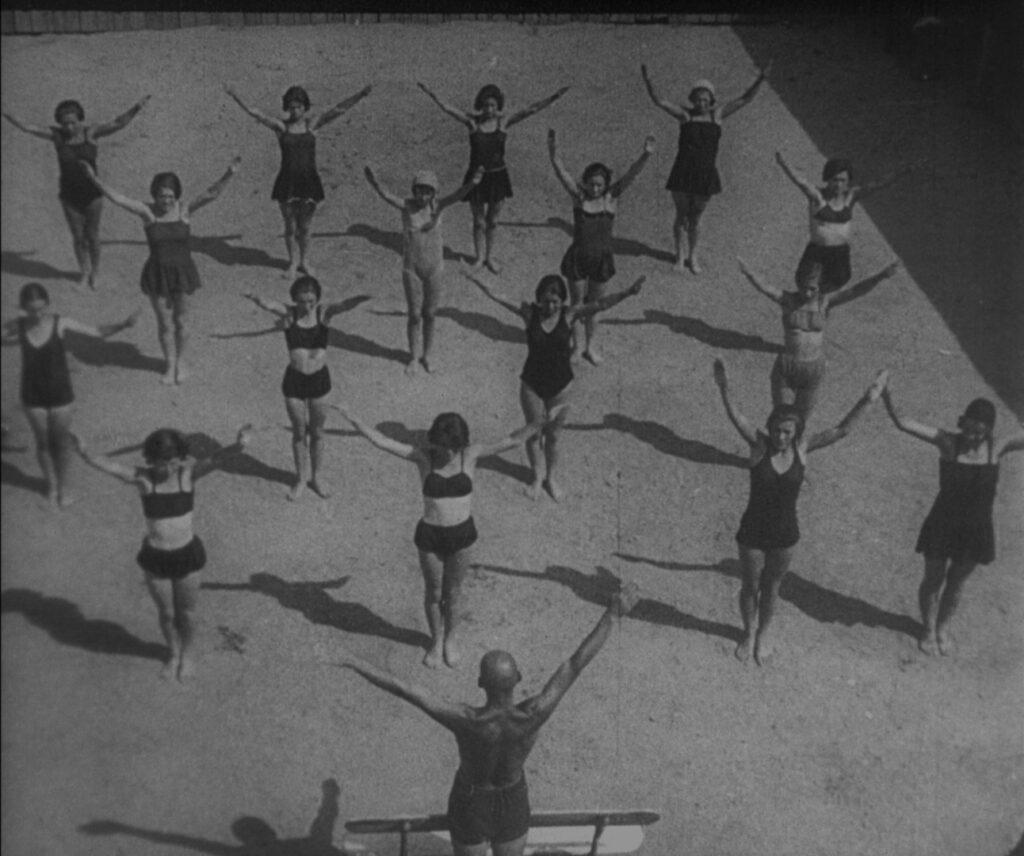 На Book Space покажуть фільми від Довженко-Центру - 2 зображення